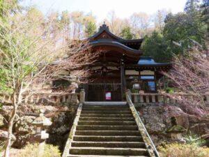 英多神社拝殿