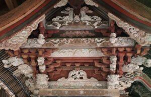 砥山神社御本殿左側妻飾り