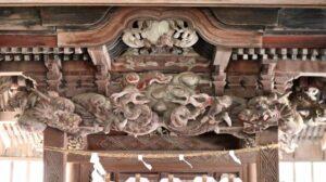 土生神社御本殿向拝の龍
