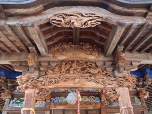 小坂諏訪神社拝殿向拝