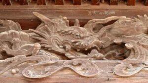 田中 諏訪神社 向拝の龍