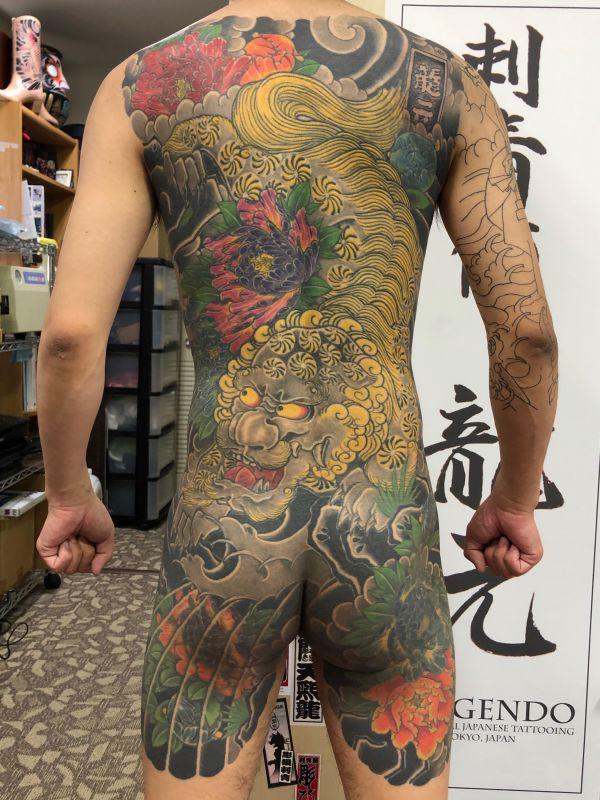 唐獅子牡丹 背中額彫り