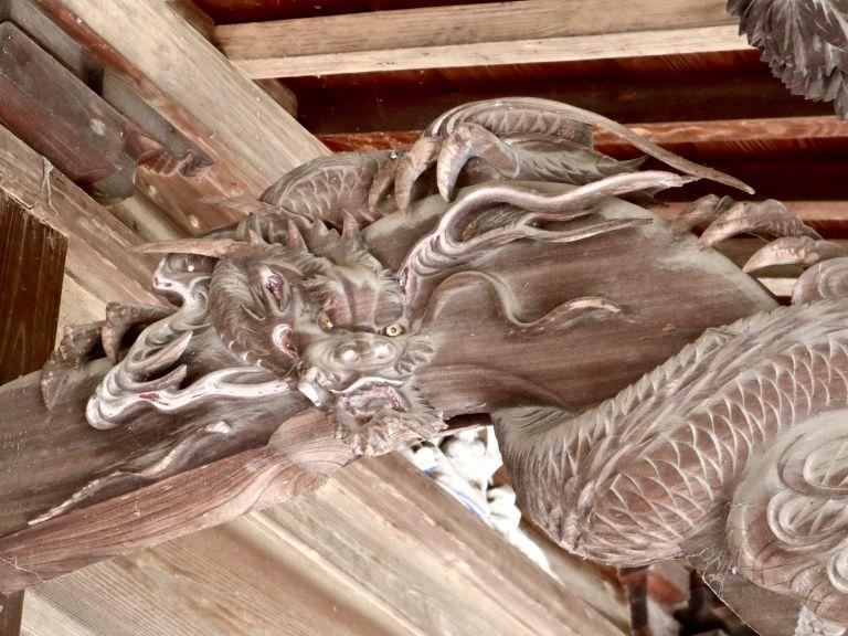 宮子神社拝殿海老虹梁の龍