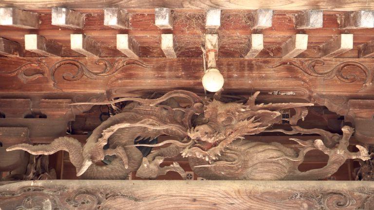 宮子神社拝殿向拝の龍
