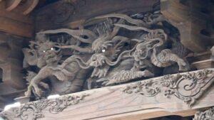 千勝神社御本殿向拝の龍