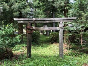 諏訪八幡神社境内社鳥居