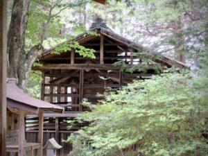 諏訪八幡神社御本殿覆屋
