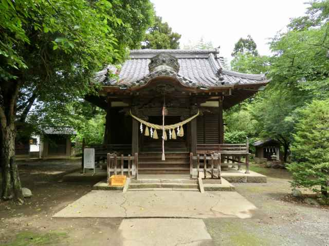 島護産泰神社拝殿