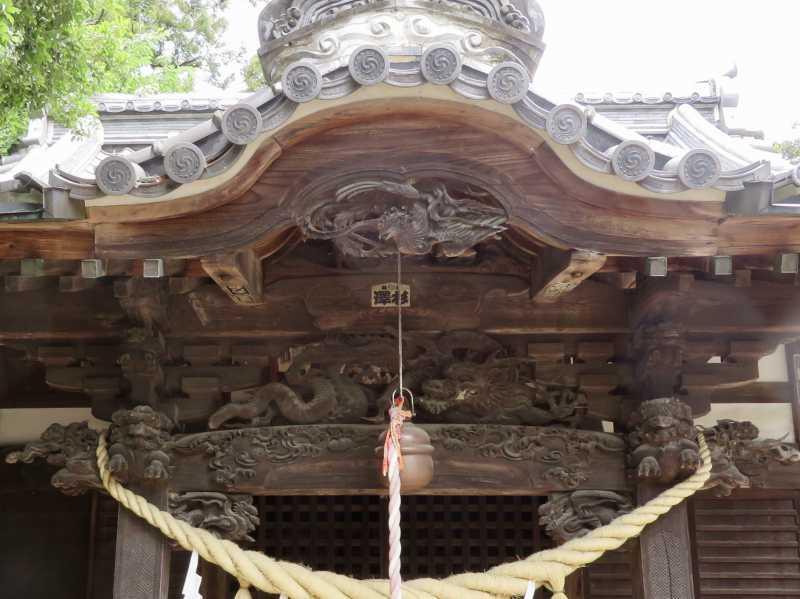 島護産泰神社向拝