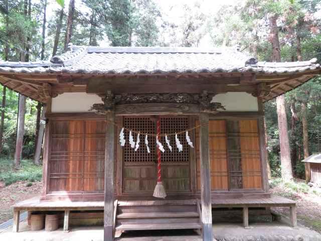春日神社拝殿