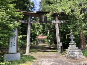 諏訪神社鳥居