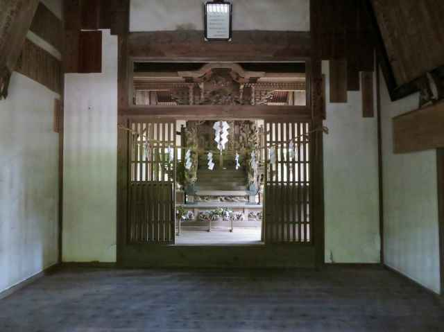 大内神社拝殿内部